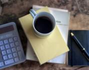 Kaffee trinken bei der Arbeit